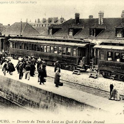 Wl descente du train ciwl a cherbourg cp