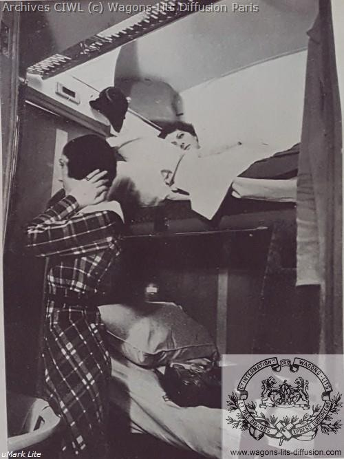 Wl pub service en voiture lit vers 1930 2