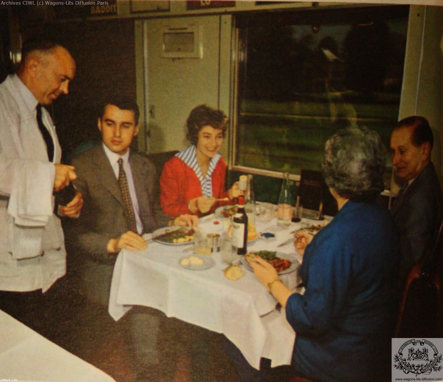 Wl pub voiture restaurant 4